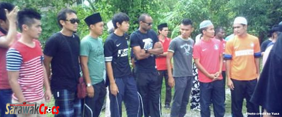 Sarawak FA players attending the funeral. - Photo by Yuza.