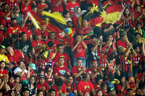 Fans, Sarawak
