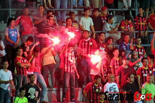 Flare, suar, Piala Malaysia 2013 - Sarawak vs Kedah 186