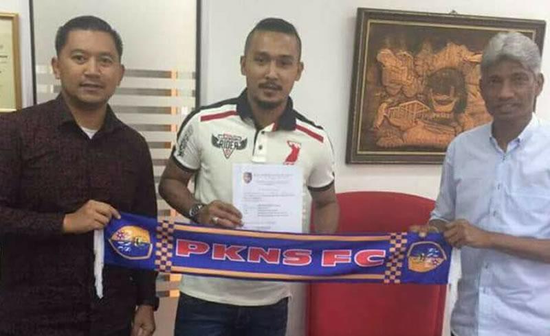 Shahril Saari signs with PKNS